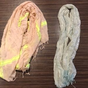 Accessories - Bundle of two scarves!